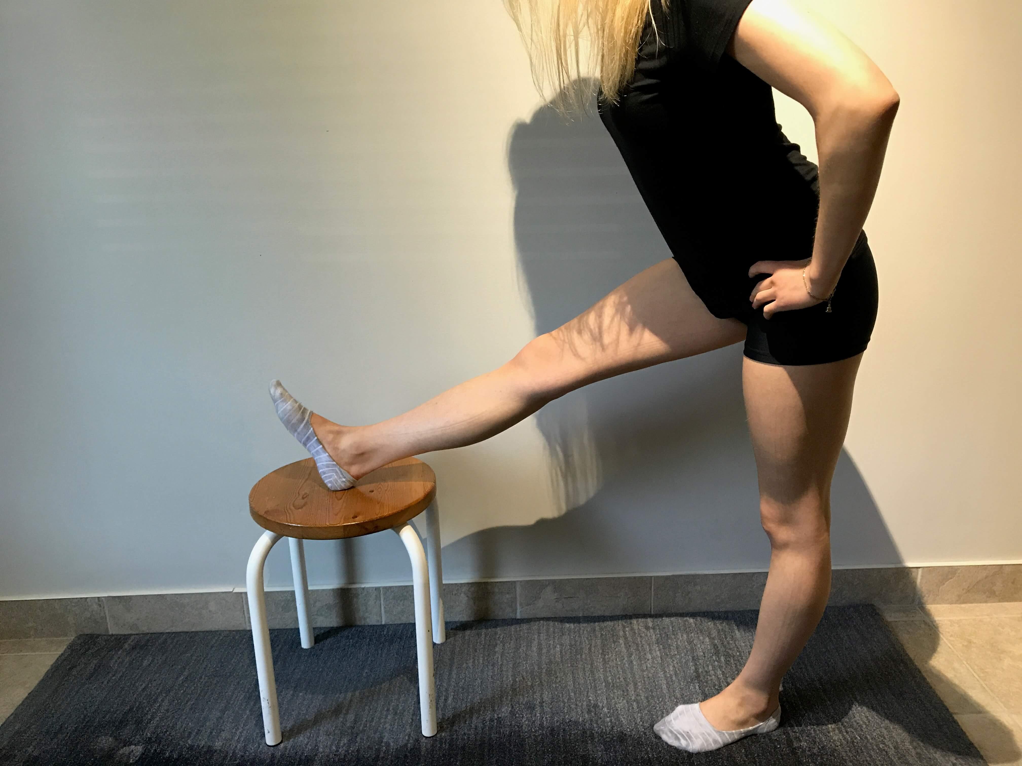 Etirement ischio-jambiers pour syndrome de la bandelette ilio-tibiale